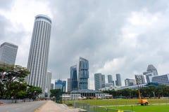 Σύγχρονη μητρόπολη στην όχθη ποταμού, Σιγκαπούρη στοκ εικόνα