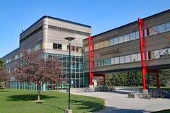 σύγχρονη πανεπιστημιακή αρχιτεκτονική, πανεπιστήμιο του Βατερλώ, Καναδάς στοκ εικόνες με δικαίωμα ελεύθερης χρήσης