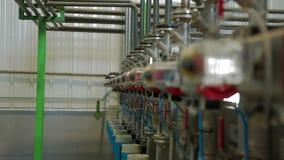 Σύγχρονη παραγωγή του χαρτονιού απόθεμα βίντεο