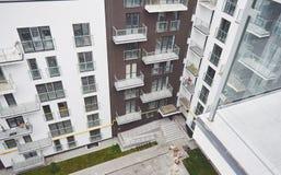Σύγχρονη, πολυκατοικία πολυτέλειας Στοκ εικόνα με δικαίωμα ελεύθερης χρήσης