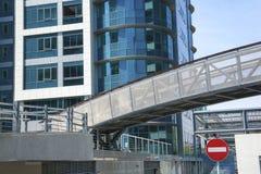Σύγχρονη πρόσοψη γυαλιού οικοδόμησης Στοκ φωτογραφία με δικαίωμα ελεύθερης χρήσης