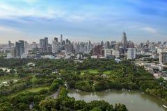 Σύγχρονη πόλη της Μπανγκόκ στοκ εικόνα με δικαίωμα ελεύθερης χρήσης