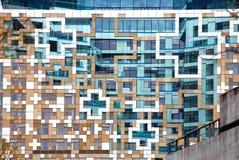 Σύγχρονη σύγχρονη πρόσοψη αρχιτεκτονικής Στοκ φωτογραφία με δικαίωμα ελεύθερης χρήσης