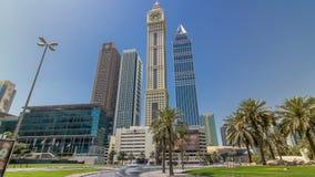 Σύγχρονοι ουρανοξύστες του ορίζοντα κατά μήκος του εμπορικού κέντρου Sheikh του δρόμου Zayed timelapse hyperlapse στο Ντουμπάι, Ε απόθεμα βίντεο