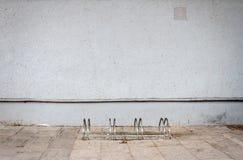 Σύγχρονος ανοικτό μπλε τοίχος ασβεστοκονιάματος Στοκ εικόνες με δικαίωμα ελεύθερης χρήσης
