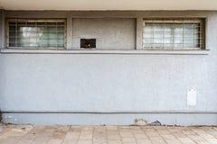 Σύγχρονος ανοικτό μπλε τοίχος ασβεστοκονιάματος Στοκ Φωτογραφία