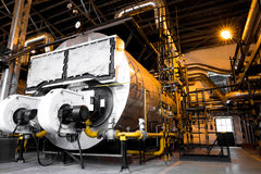 Σύγχρονος βιομηχανικός λέβητας, εσωτερικό βιομηχανικού κτηρίου Στοκ Φωτογραφία
