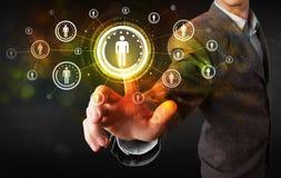 Σύγχρονος επιχειρηματίας σχετικά με το μελλοντικό κοινωνικό δίκτυο τεχνολογίας αλλά Στοκ εικόνες με δικαίωμα ελεύθερης χρήσης