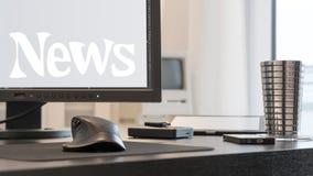 Σύγχρονος επιχειρησιακός εργασιακός χώρος με ένα όργανο ελέγχου LCD και μερικές ψηφιακές συσκευές Ελεύθερη απεικόνιση δικαιώματος
