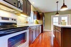 σύγχρονος νέος κουζινών &pi Στοκ Εικόνες