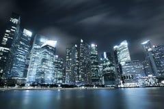 Σύγχρονος ορίζοντας πόλεων στον κόλπο μαρινών της Σιγκαπούρης Στοκ φωτογραφία με δικαίωμα ελεύθερης χρήσης