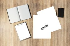 Σύγχρονος πίνακας γραφείων με το copyspace στοκ φωτογραφίες