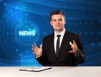 Σύγχρονος παρουσιαστής televison που λέει τις ειδήσεις με το tehnology backg Στοκ Φωτογραφία
