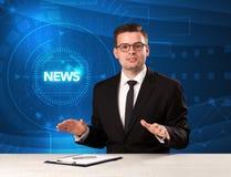 Σύγχρονος παρουσιαστής televison που λέει τις ειδήσεις με το tehnology backg Στοκ Εικόνα