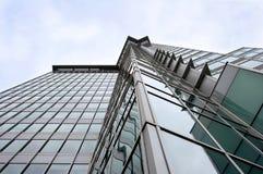 σύγχρονος πύργος γραφείων πολυόροφων κτιρίων Στοκ Εικόνες