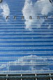 Σύγχρονος υαλώδης ουρανοξύστης στοκ εικόνες