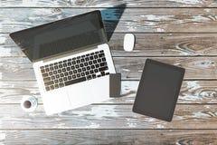 Σύγχρονος υπολογιστής γραφείου γραφείων με το copyspace στοκ εικόνες