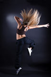 Σύγχρονος χορευτής γυναικών στην ενέργεια Στοκ φωτογραφίες με δικαίωμα ελεύθερης χρήσης