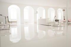Σύγχρονο άσπρο στούντιο μουσικής Στοκ εικόνες με δικαίωμα ελεύθερης χρήσης