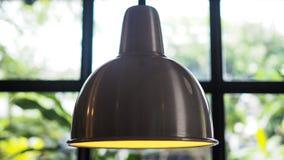 Σύγχρονο ανώτατο φως μέσα στη καφετερία στοκ εικόνες