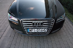 Σύγχρονο αυτοκίνητο: Audi A8 Στοκ Φωτογραφίες