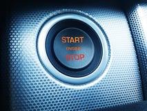 Σύγχρονο εκκίνησης-στάσης κουμπί αυτοκινήτων Στοκ φωτογραφίες με δικαίωμα ελεύθερης χρήσης
