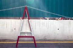 Σύγχρονο εμπόδιο ασφάλειας σε ένα εργοτάξιο οικοδομής Στοκ Φωτογραφία