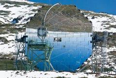 Σύγχρονο επιστημονικό αστρονομικό τηλεσκόπιο παρατηρητήριων στοκ φωτογραφίες