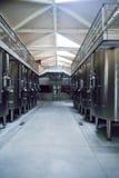 Σύγχρονο εσωτερικό εργοστασίων κρασιού Στοκ φωτογραφίες με δικαίωμα ελεύθερης χρήσης