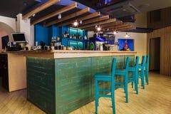 Σύγχρονο εσωτερικό εστιατορίων, φραγμών ή καφέδων Στοκ φωτογραφίες με δικαίωμα ελεύθερης χρήσης