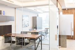 Σύγχρονο εταιρικό εσωτερικό γραφείων Στοκ φωτογραφία με δικαίωμα ελεύθερης χρήσης