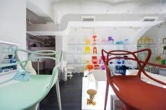 Σύγχρονο κατάστημα επίπλων Kartell Στοκ Φωτογραφία