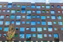 Σύγχρονο κατοικημένο κτήριο στο Αϊντχόβεν, Κάτω Χώρες Με περίπου 225.000 κατοίκους του ο 5$ος-μεγαλύτερος δήμος Netherla Στοκ εικόνα με δικαίωμα ελεύθερης χρήσης