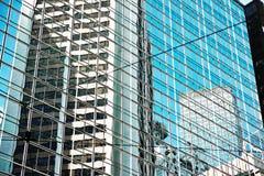 Σύγχρονο κτήριο γυαλιού στην ημέρα Στοκ Εικόνα