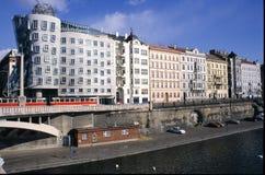 Σύγχρονο κτήριο, επίσης γνωστό ως χορεύοντας σπίτι στην Πράγα Στοκ Εικόνες