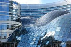 Σύγχρονο κτήριο σε Marszalkowska. Βαρσοβία. Πολωνία στοκ φωτογραφίες