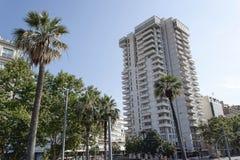 Σύγχρονο κτήριο στη διαγώνια οδό στη Βαρκελώνη στοκ εικόνες με δικαίωμα ελεύθερης χρήσης