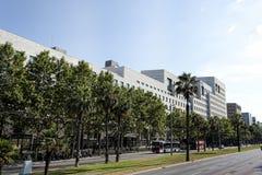 Σύγχρονο κτήριο στη διαγώνια οδό στη Βαρκελώνη στοκ εικόνες