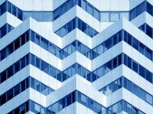 Σύγχρονο κτίριο γραφείων στοκ εικόνα με δικαίωμα ελεύθερης χρήσης