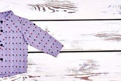 Σύγχρονο πουκάμισο αγοριών, διάστημα αντιγράφων Στοκ Εικόνα