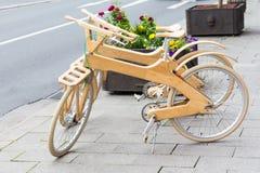 σύγχρονο ποδήλατο ξύλινο Στοκ φωτογραφία με δικαίωμα ελεύθερης χρήσης