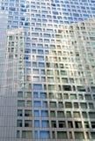Σύγχρονο πρότυπο παραθύρων οικοδόμησης Στοκ φωτογραφία με δικαίωμα ελεύθερης χρήσης