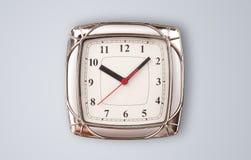 Σύγχρονο ρολόι με τις ώρες και τα πρακτικά Στοκ Φωτογραφίες