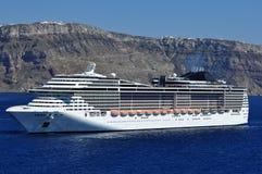 Σύγχρονο σκάφος της γραμμής κρουαζιέρας Στοκ φωτογραφία με δικαίωμα ελεύθερης χρήσης