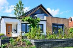 Σύγχρονο σπίτι σχεδιαστών πολυτέλειας Στοκ εικόνες με δικαίωμα ελεύθερης χρήσης