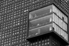 Σύγχρονο σχέδιο προσόψεων οικοδόμησης σε γραπτό στοκ εικόνες με δικαίωμα ελεύθερης χρήσης