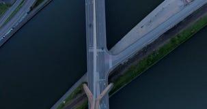 Σύγχρονο τεμάχιο γεφυρών απόθεμα βίντεο