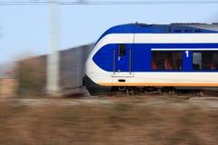 Σύγχρονο τραίνο στην κίνηση Στοκ εικόνες με δικαίωμα ελεύθερης χρήσης