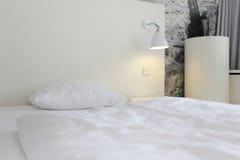 σύγχρονο δωμάτιο ξενοδο Στοκ φωτογραφία με δικαίωμα ελεύθερης χρήσης