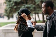 Σύγχρονο ύφος μόδας black couple happy young Στοκ Εικόνες